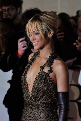 Ya le conocemos todo a Rihanna, por lo que le proponemos que pose para u...