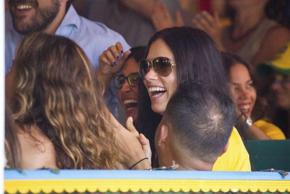 Adriana Lima también se veía muy optimista.Todo sobre el Mundial de Bras...