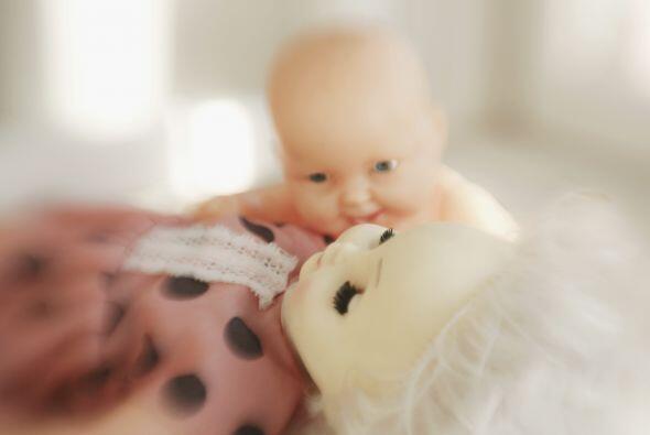 Consigue una muñeca para que tu niño lo cuide como si fuera el bebé 'de...