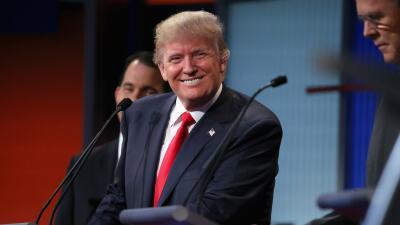 El aspirante a la nominación presidencial republicana, Donald Trump, enc...