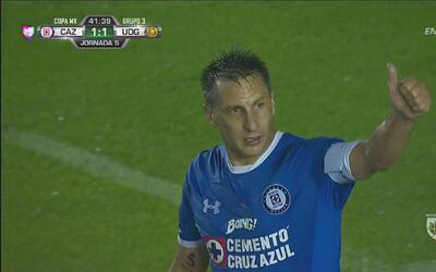 'Chaco' Giménez anota de penal el empate de Cruz Azul
