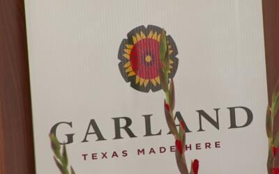 Autoridades conmemoran y rinden tributo a las víctimas del tornado de Ga...