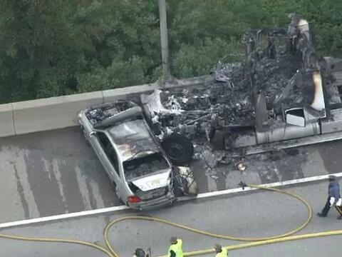 Tres hombres murieron en un accidente de camión con remolque en l...