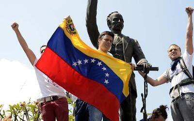 Leopoldo López, líder opositor venezolano se entregó a las autoridades