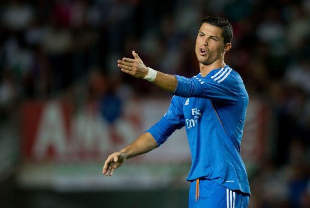 Cristiano Ronaldo estaba jugando más tirado al centro, contrario a verlo...