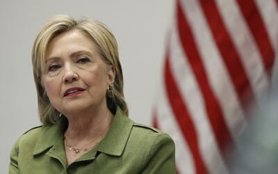 En esta foto del 18 de agosto de 2018, la candidara demócrata Hillary Cl...