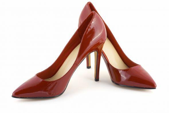 Los distingues por ser un zapato con tacón  de aguja que mide 3.9...