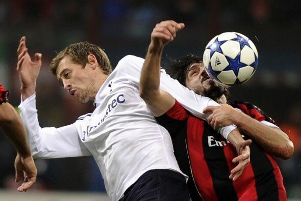El partido estaba empatado pero Gattuso estaba muy nervioso y le tiró un...