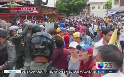 Maduro aumenta el salario mínimo el día que es llamado a comparecer en l...