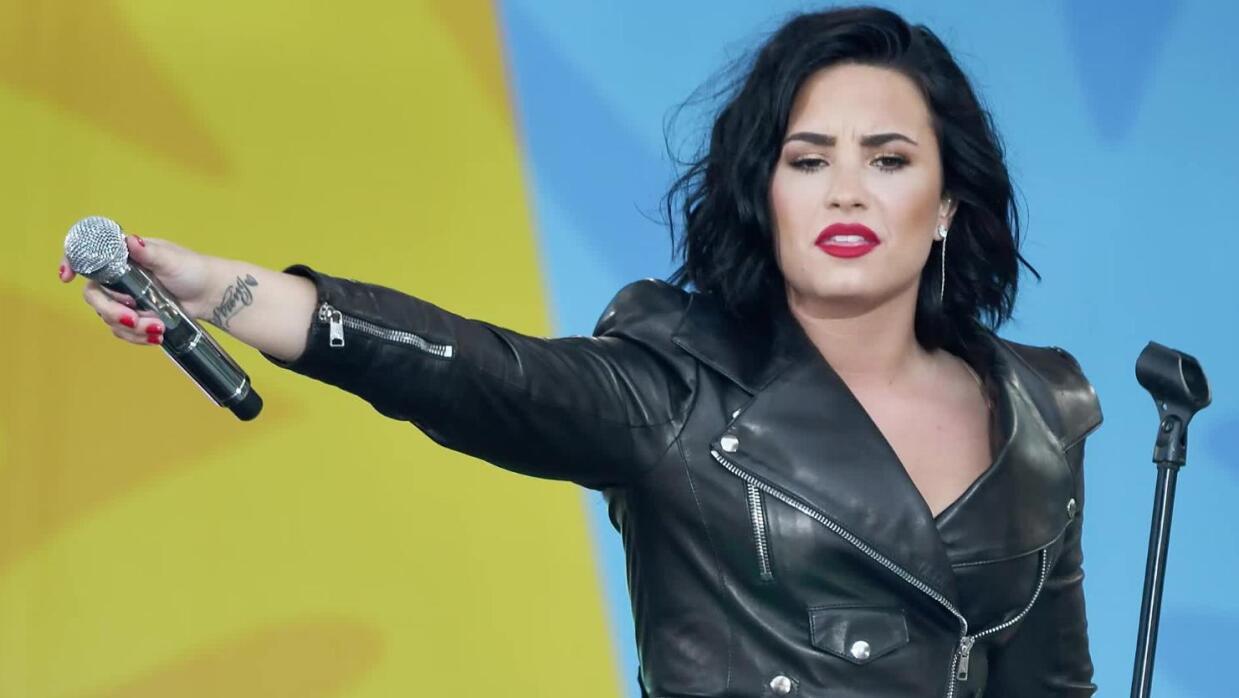 Demi Lovato habla sobre problemas mentales durante discurso en la DNC