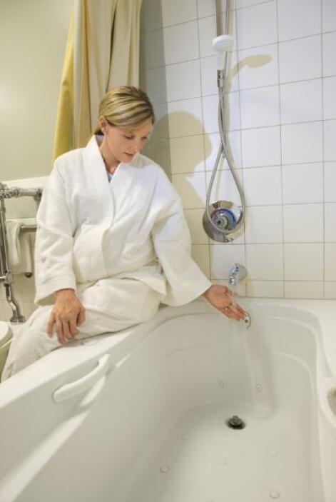 Evita las saunas, los baños de agua caliente y el calor extremo ya que l...