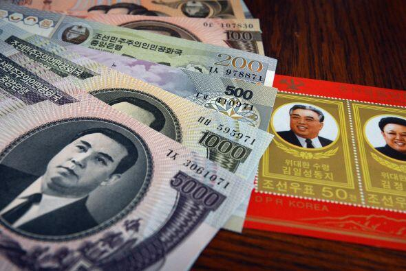 Esta ilustración muestra la moneda de Corea del Norte comprada en una ci...