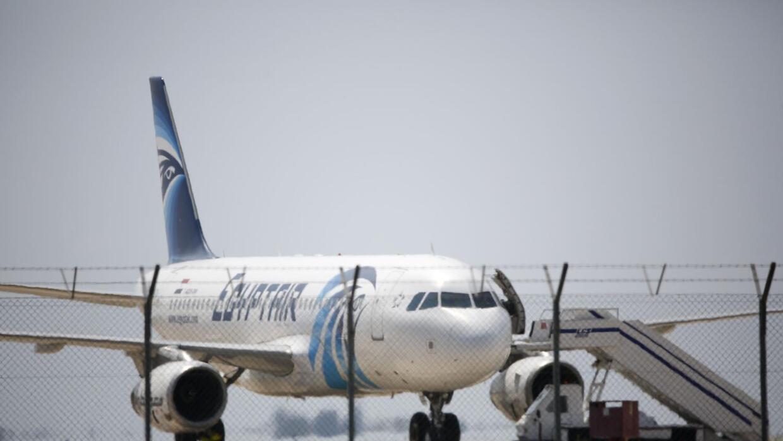 Autoridades investigan la desaparición del avión de Egyptair