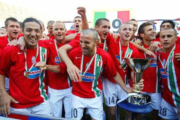 """Ganó los títulos de Liga italiana de  2004""""05 y 2005&..."""