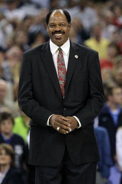 Once veces jugó un 'All Star Game' (cinco en ABA y seis en NBA)....