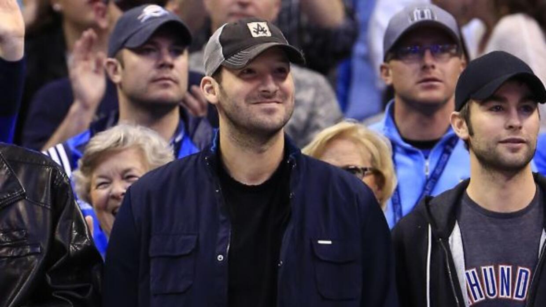 El salario de Tony Romo se convirtió en un enorme bono por firmar para a...