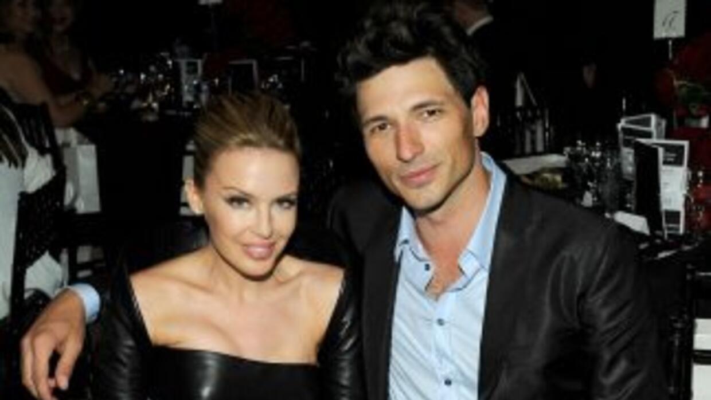 La cantante Kylie Minogue, novia del famoso modelo español, cree su pare...