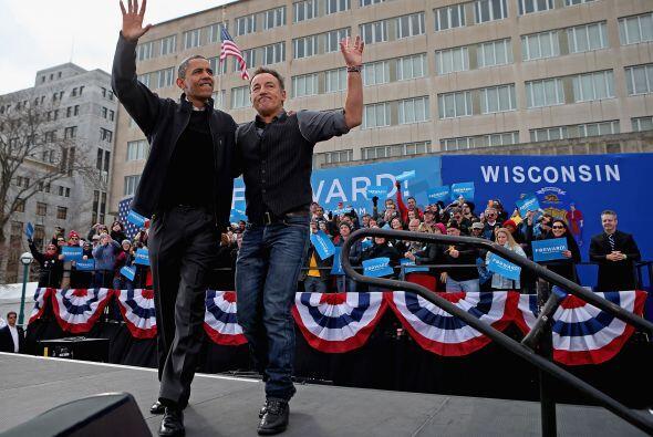 Bruce Springsteen, el rockero por excelencia, acompañó a Barack Obama en...