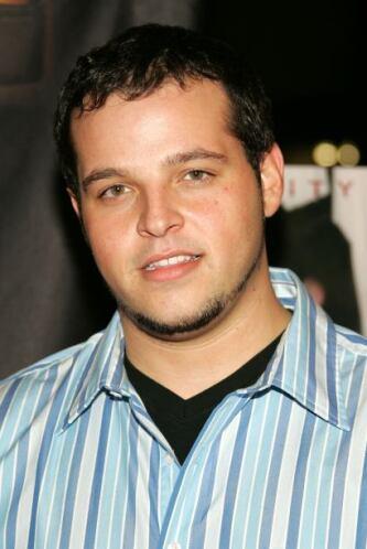 Daniel Franzese es recordado por su rol de Damian, el amigo gay de Linds...
