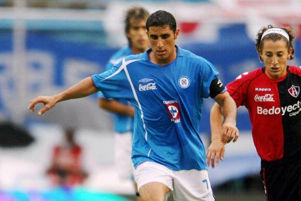 En el caso de Salvador Carmona tiempo después el jugador volvió a reinci...