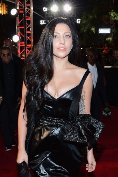 Otra que siempre nos sorprende con sus extravagancias es Lady Gaga, quie...