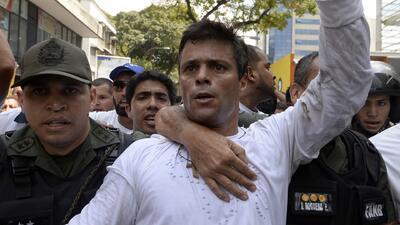 Cargos contra Leopoldo López y la vejación a un estudiante elevan la ten...
