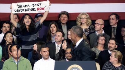 Interrumpen de nuevo a Obama mientras habla de inmigración