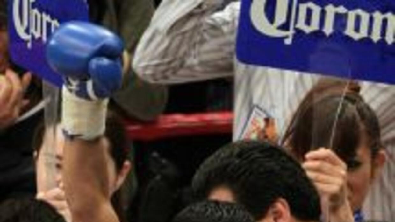 Jhonny González retuvo el título mundial pluma del CMB contra Tomás Villa.