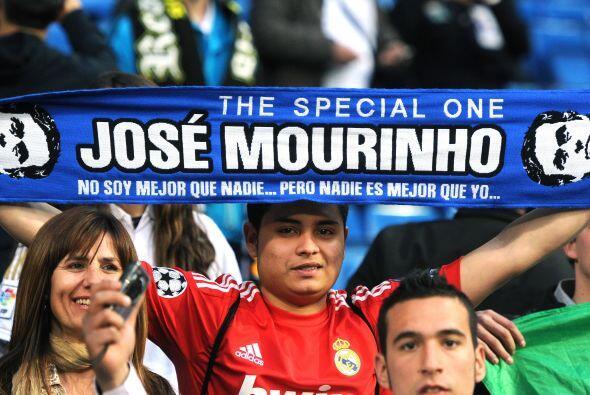 José Mourinho no estuvo en el estadio por su expulsión pero los hinchas...