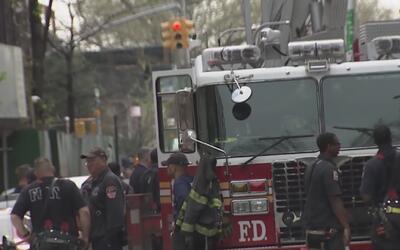 Masiva asistencia al velorio del bombero que murió tras caer de un edifi...