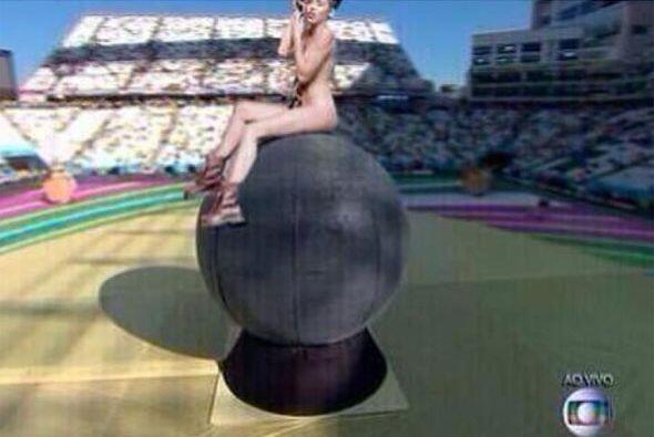 ¡Miley haciendo su triunfal entrada! Todo sobre el Mundial de Bras...