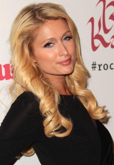Para darle batalla viene Paris Hilton, mujer mejor conocida por su estil...