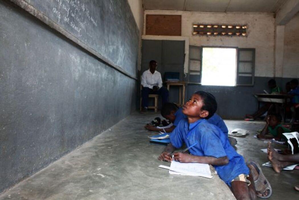 El 44% vive en naciones africanas al sur del Sahara, 19% en el sur y el...