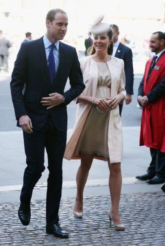 El 'royal baby', como su padre, llevará en sus hombros el peso de ser el...