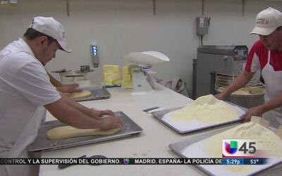 Panaderías locales venden miles de roscas de reyes