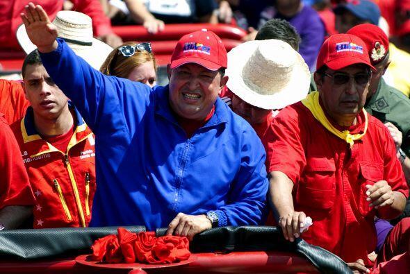 A ritmo de música popular, Chávez, de 58 años y en busca de la tercera r...