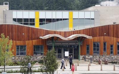 La nueva escuela Sandy Hook acogera a 400 estudiantes.