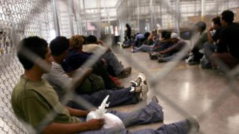 El ICE retiene a más de 30,00 inmigrantes en centros de detención de tod...