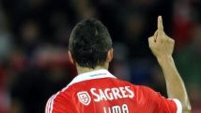 Rodrigo Lima resolvió la eliminatoria para el Benfica con un doblete.