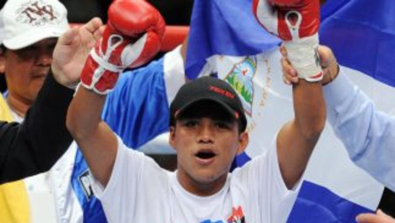 González dejó el título minimosca de la AMB.
