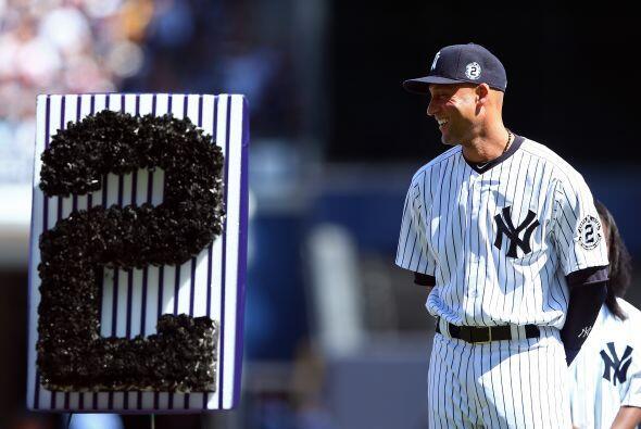 El numero dos de su jersey estuvo en todos los rincones del Yankee Stadium.