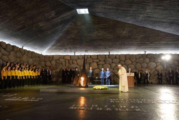 Francisco también visitó el Museo del Holocausto.