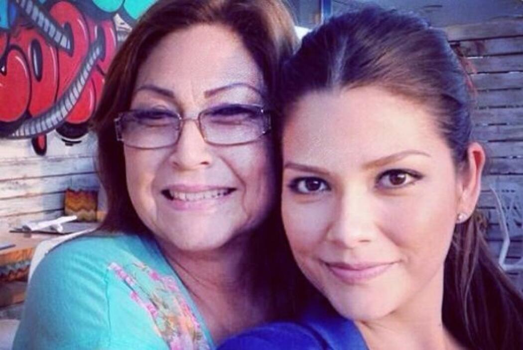 """""""Ultimos días con Mami antes de que se regrese a mi México"""", contó Ana...."""