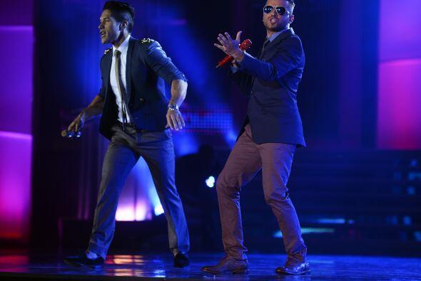 La gala fue amenizada nada menos que por Chino y Nacho, quienes cantaron...