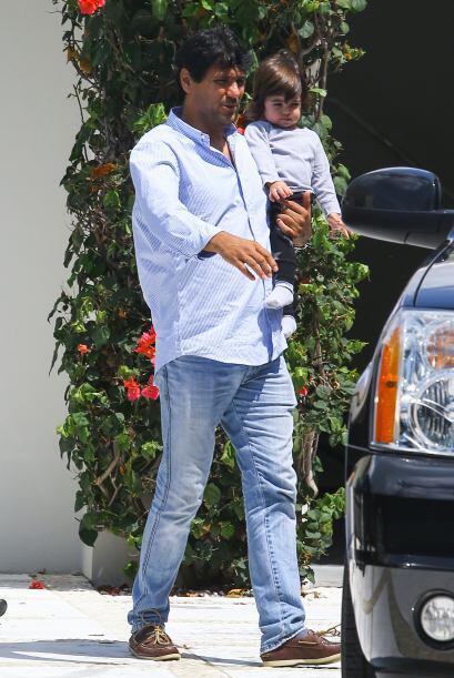 Sus papis Shakira y Gerard se lo encargaron al hermano de la cantante. M...