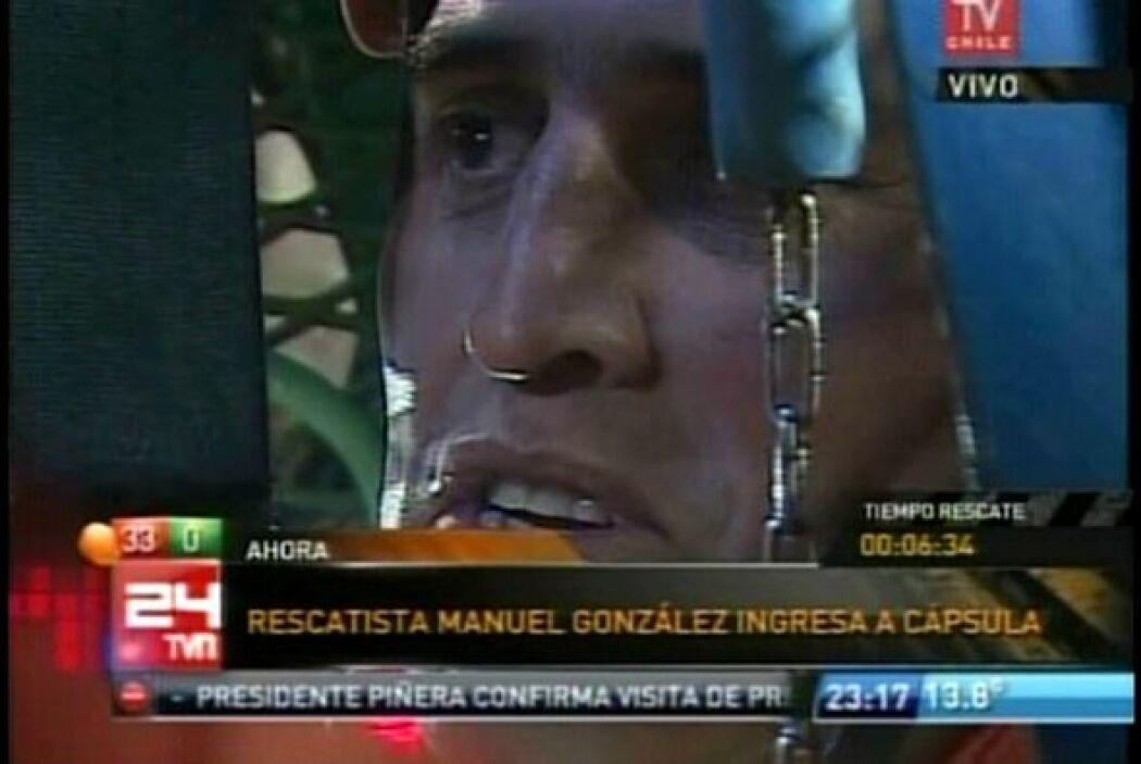El rescate de los 33 mineros comenzó a las 23:19 horas locales del marte...