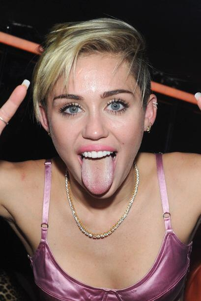 Si tu lengua es bastante vistosa, pero no estás acostumbrada a traerla f...