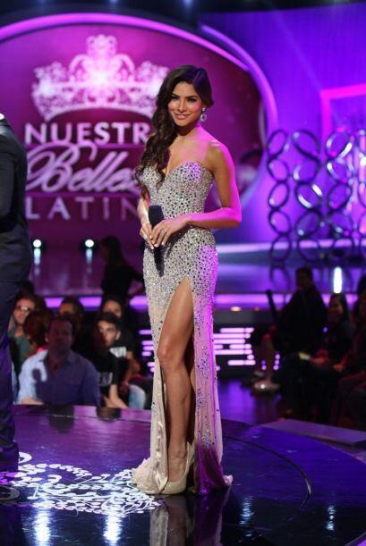 Alejandra Espinoza ya está más que lista para arrancar con este tremendo...