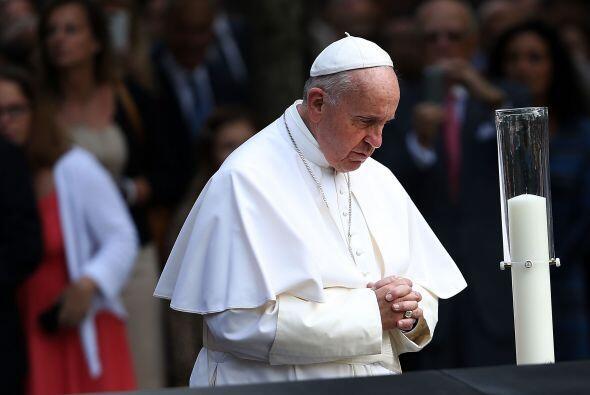 Francisco visitó la Zona Cero después de dar un discurso ante Naciones U...