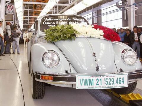 4.- Volkswagen Beetle.- Sin duda es uno de los iconos de la industria au...